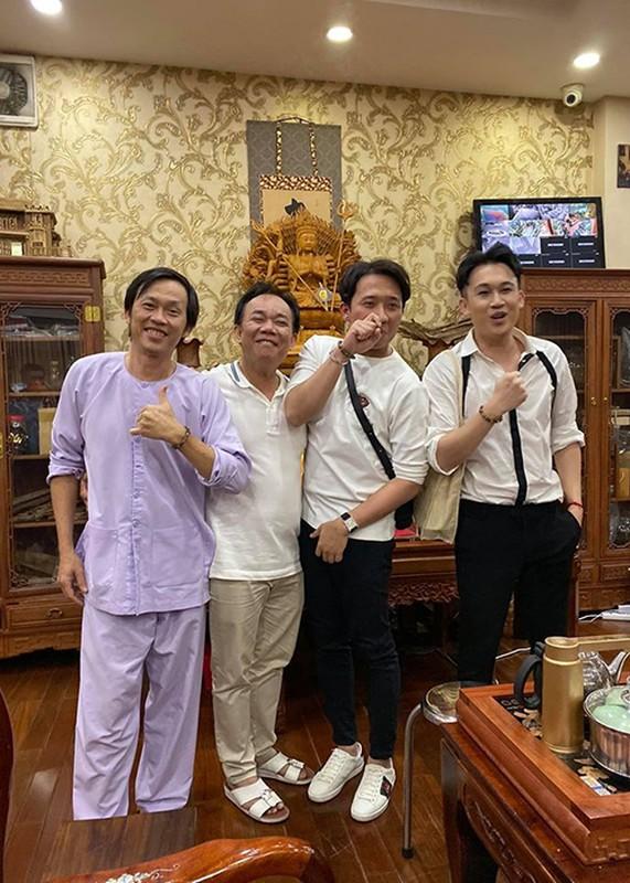 Hoai Linh don sinh nhat gian di ben con trai, dong nghiep-Hinh-3