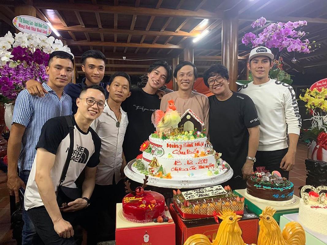 Hoai Linh don sinh nhat gian di ben con trai, dong nghiep-Hinh-9