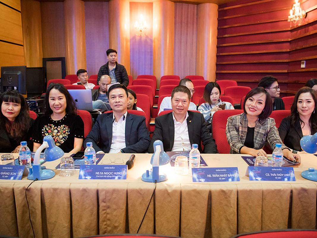 """Con trai Hoang Tung - BTV Kieu Ngan lot CK """"Giong hat hay tieng Han""""-Hinh-10"""