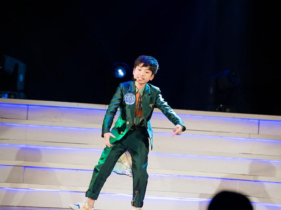 """Con trai Hoang Tung - BTV Kieu Ngan lot CK """"Giong hat hay tieng Han""""-Hinh-4"""