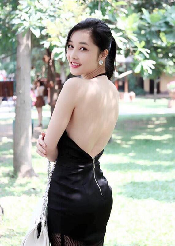 So phan trai nguoc cua 2 hoa hau nguoi dan toc thieu so: H'hen Nie - Trieu Thi Ha-Hinh-3