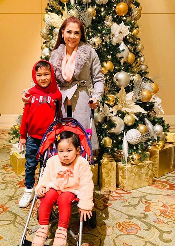 Duoc ca si Thanh Thao nhan nuoi, con trai Ngo Kien Huy gio ra sao?-Hinh-14