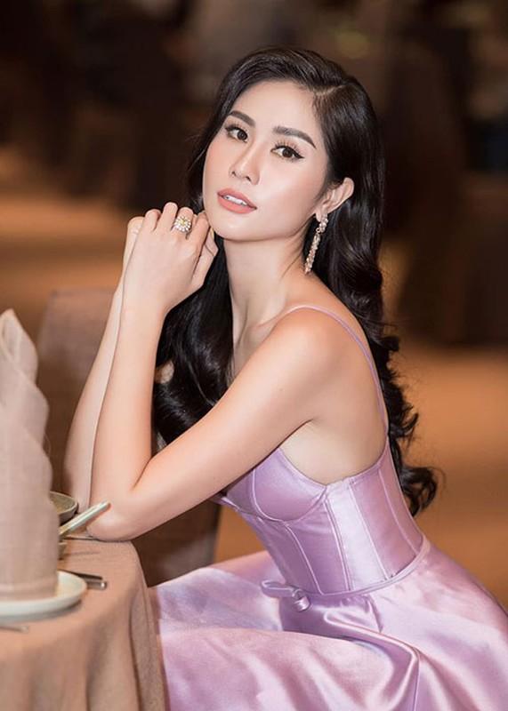 Sao Viet mac phan cam nhat: Nha Tien, Hoang Hanh la gi so voi Ngoc Trinh-Hinh-10
