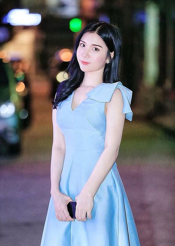Sao Viet mac phan cam nhat: Nha Tien, Hoang Hanh la gi so voi Ngoc Trinh-Hinh-12