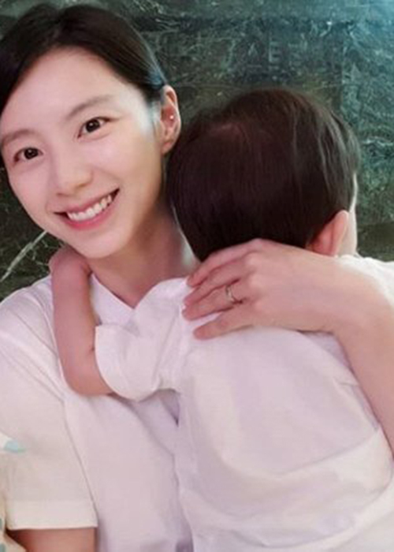 Hon nhan vien man ngoai doi cua Choi Ji Woo va Bae Yong Joon-Hinh-13