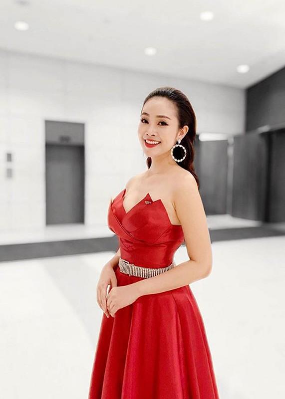 MC Thuy Linh - Thanh Huong dong hai Tet 2020: Ai goi cam hon?-Hinh-10