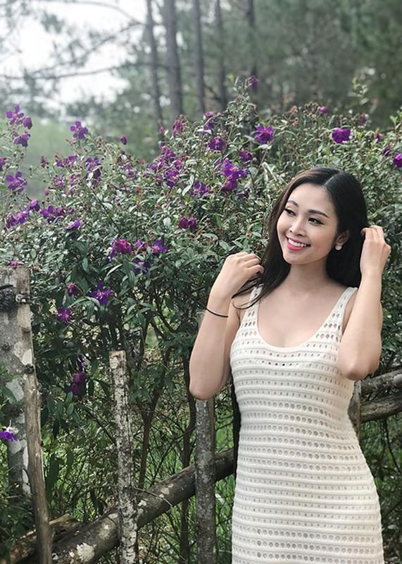 MC Thuy Linh - Thanh Huong dong hai Tet 2020: Ai goi cam hon?-Hinh-15