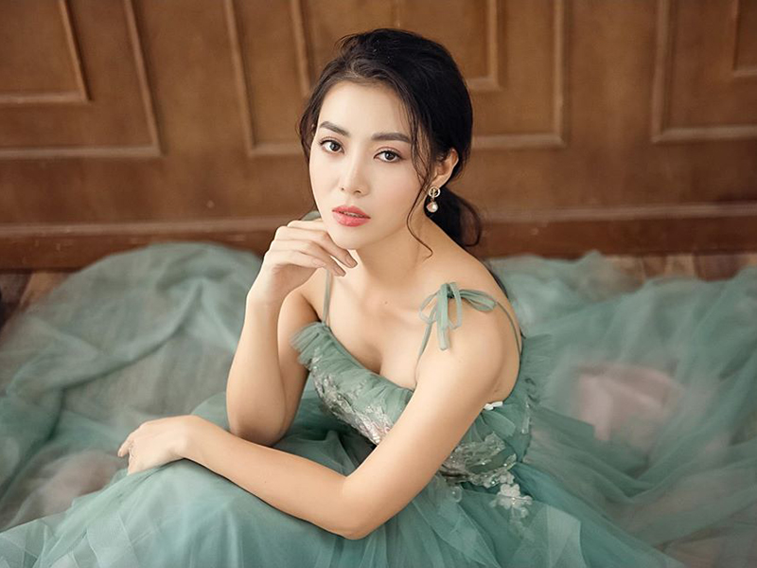MC Thuy Linh - Thanh Huong dong hai Tet 2020: Ai goi cam hon?-Hinh-2