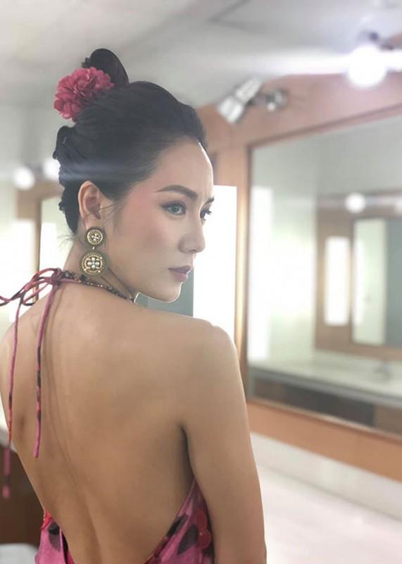 Loat my nhan sinh nam Giap Ty bang tuoi Ho Ngoc Ha: Ai goi cam hon?-Hinh-9