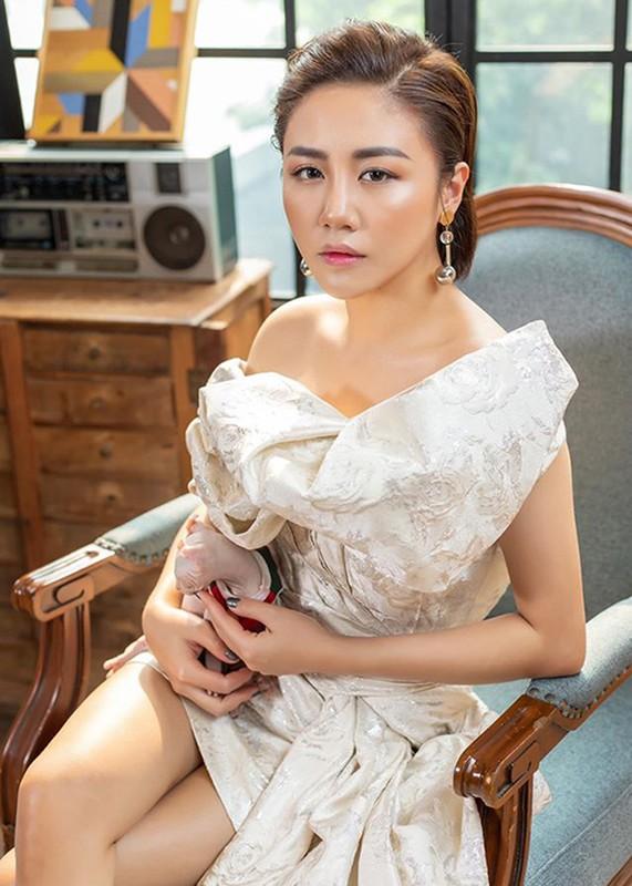 Sao Viet bi phat tan clip nong giong Van Mai Huong, vuot cu soc the nao?