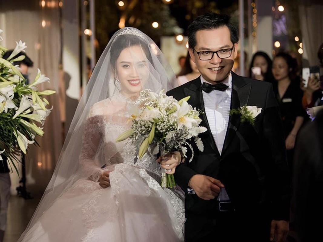 "Soi hon nhan cua Trung Hieu ""Dai gia chan dat"" ben vo kem 19 tuoi-Hinh-10"