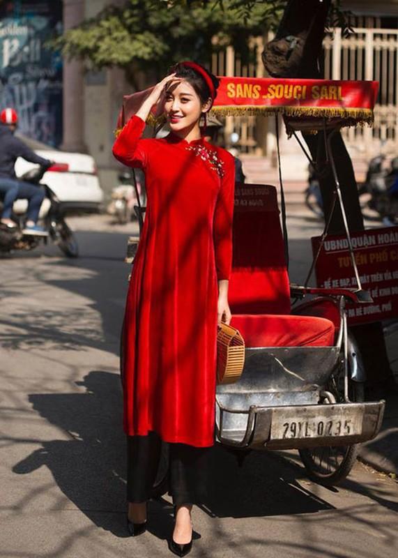 Ngam my nhan Viet dien ao dai do, don may man dau nam-Hinh-7