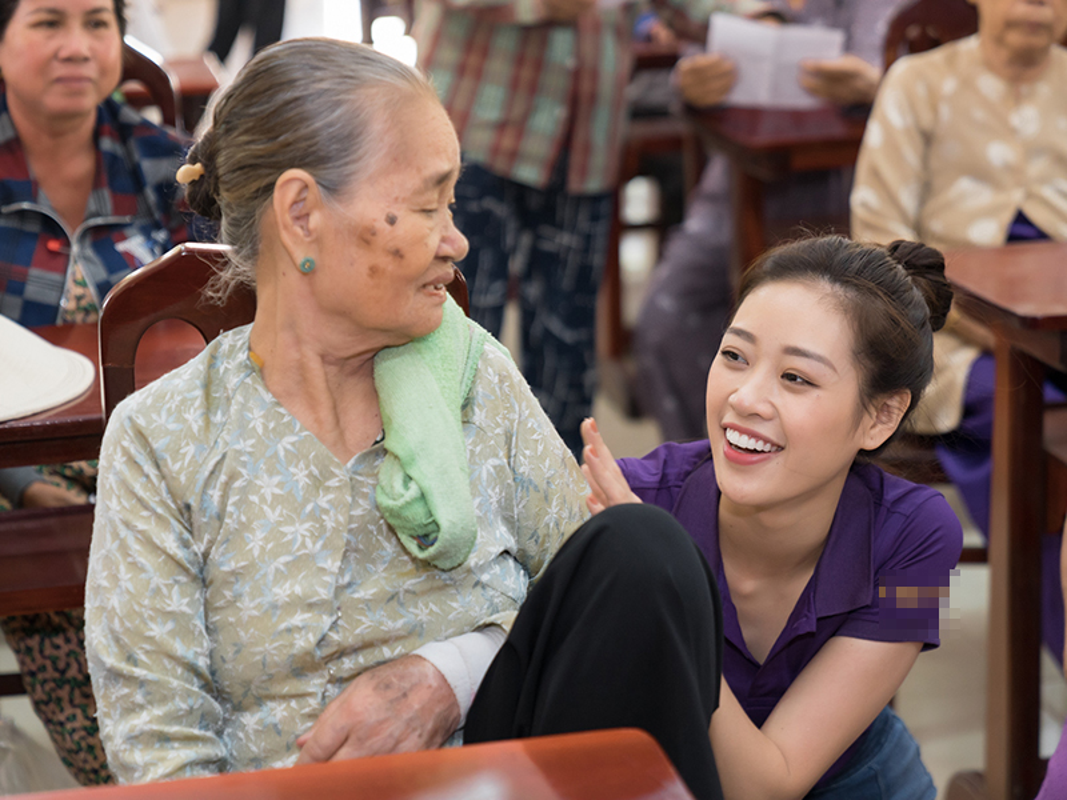 Hoa hau Khanh Van bi giuc lay chong khi di tu thien-Hinh-2
