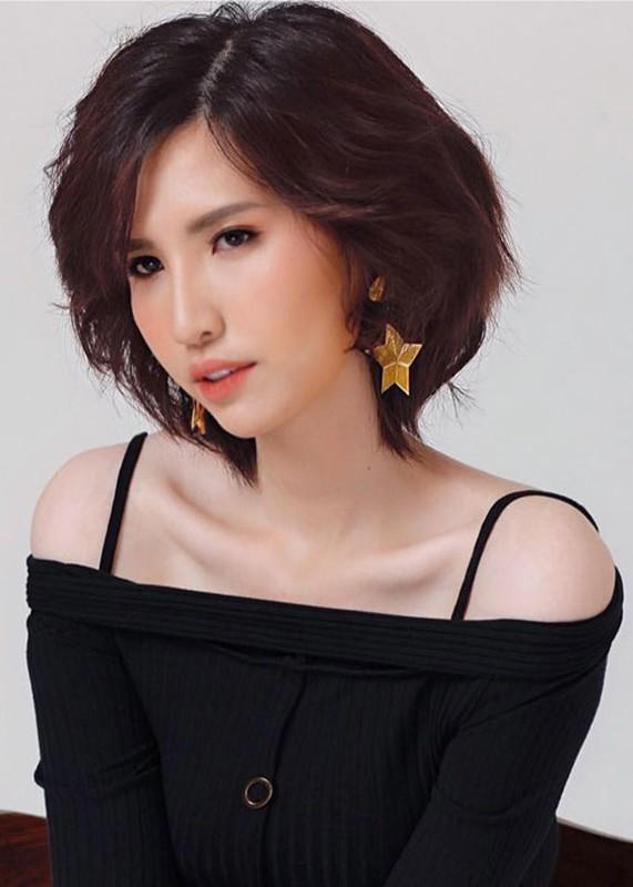 "Hong Xuan - nguoi mau ""sieu cao khong lo"" gio ra sao?-Hinh-5"