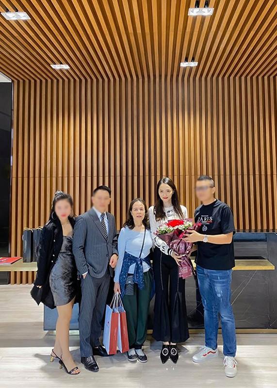 Huong Giang Idol mua nha tang me can Tet Nguyen Dan 2020-Hinh-2