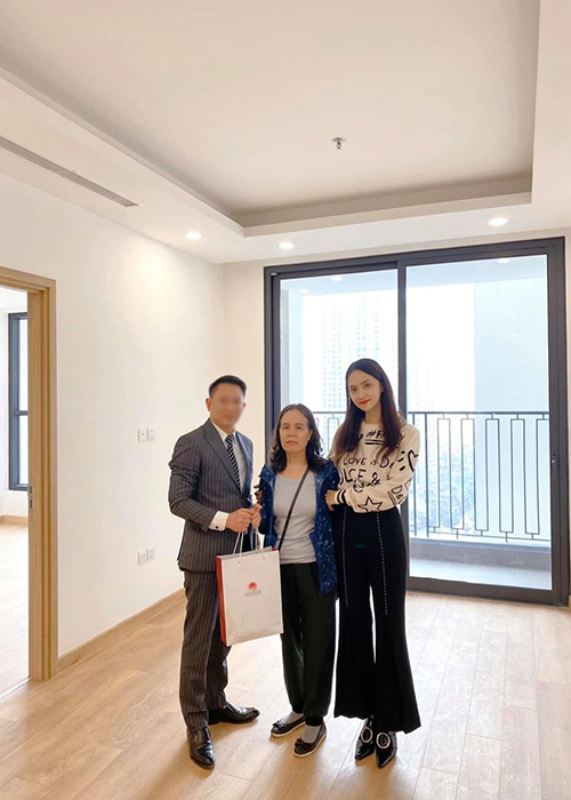 Huong Giang Idol mua nha tang me can Tet Nguyen Dan 2020