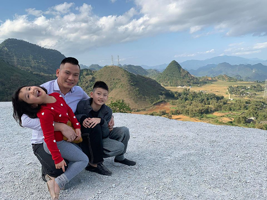 Cuoc song cua con trai Quang Dung - Jennifer Pham sau khi bo me ly hon-Hinh-13