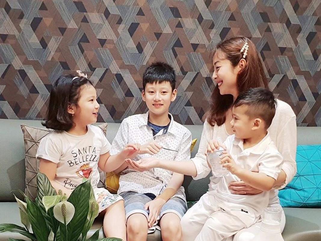 Cuoc song cua con trai Quang Dung - Jennifer Pham sau khi bo me ly hon-Hinh-14