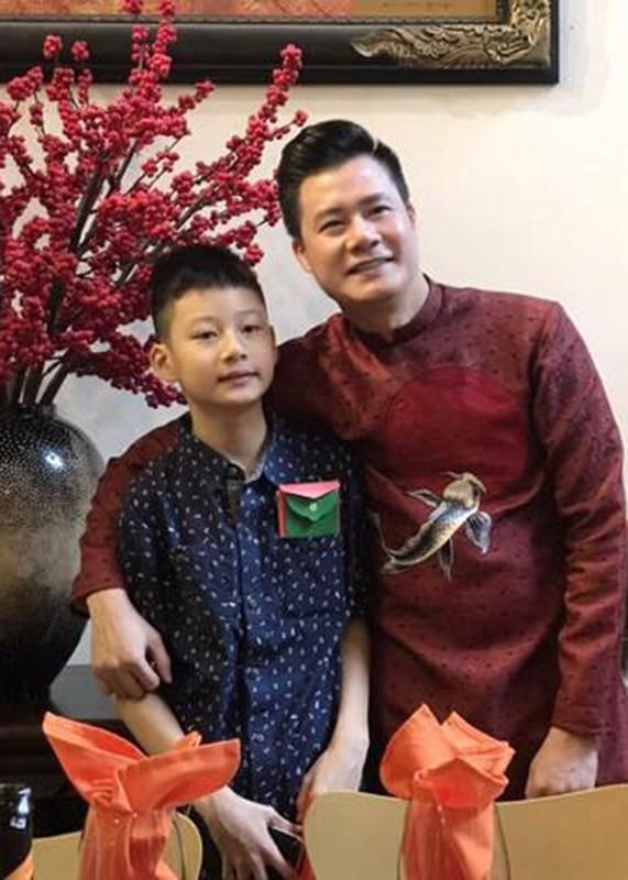 Cuoc song cua con trai Quang Dung - Jennifer Pham sau khi bo me ly hon-Hinh-2
