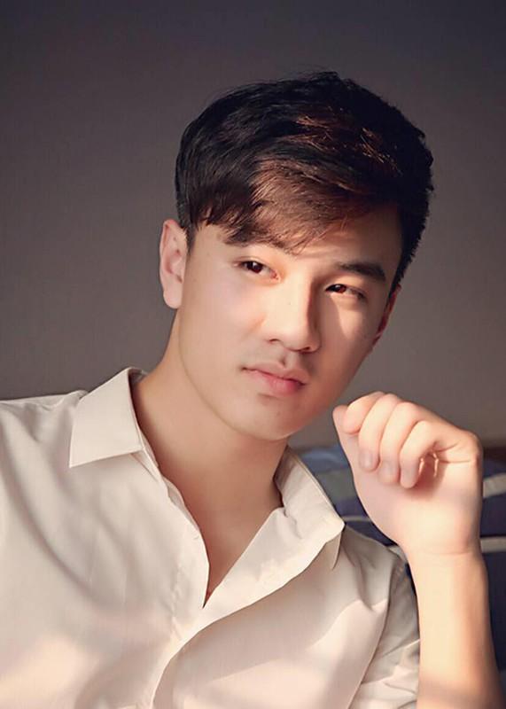 """Ve ngoai chuan soai ca cua Quang Trong dong Vien """"Co gai nha nguoi ta""""-Hinh-5"""