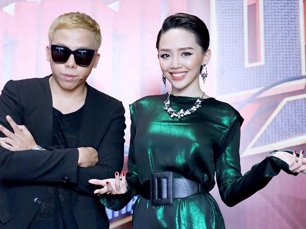 Hinh anh Toc Tien - Hoang Touliver bi mat cuoi o nha tho-Hinh-12