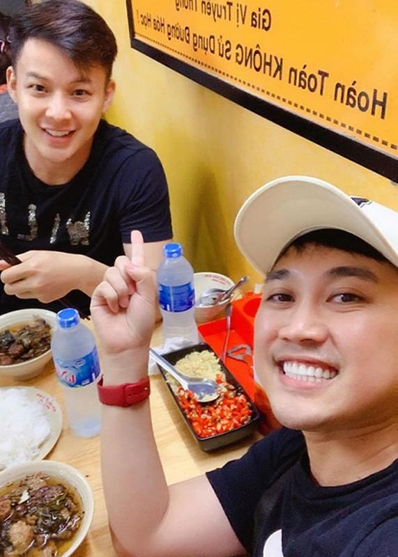 "Soi chuyen tinh cua ""thanh hat nhep"" Don Nguyen va hot boy kem 8 tuoi-Hinh-11"