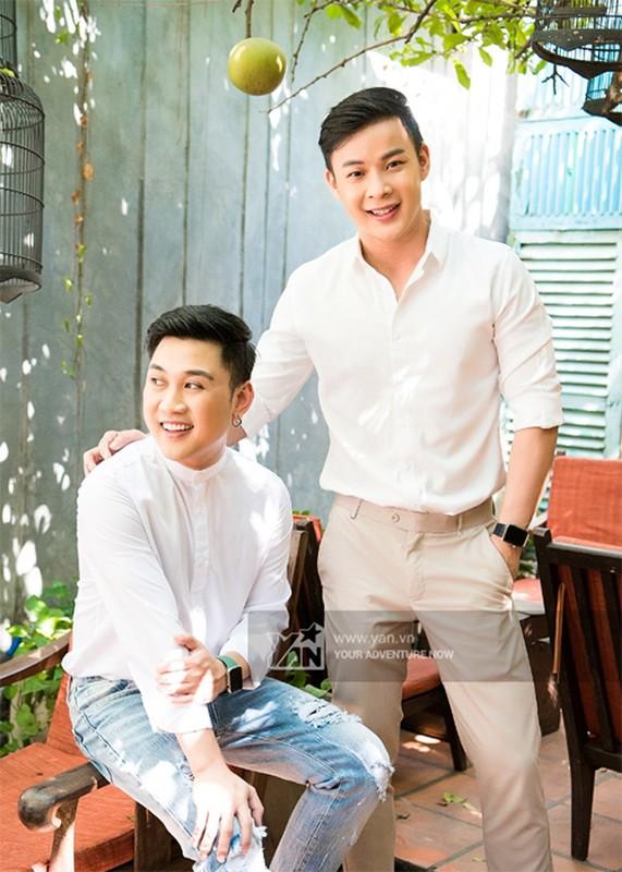 "Soi chuyen tinh cua ""thanh hat nhep"" Don Nguyen va hot boy kem 8 tuoi"
