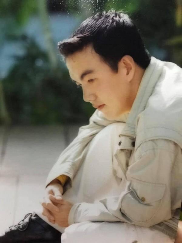 MC Quoc Thuan thoi tre nhu tai tu Hong Kong, khac xa hien tai-Hinh-3