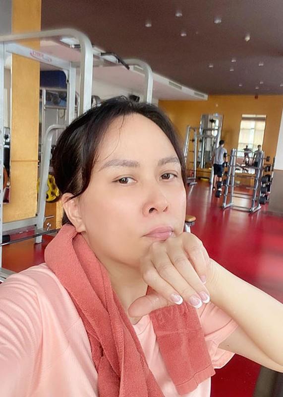"Soi nhan sac ""du dung"" cua doanh nhan hen ho Quach Ngoc Ngoan-Hinh-11"