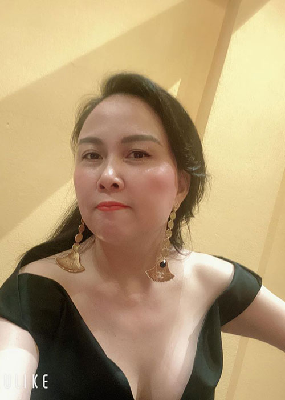 "Soi nhan sac ""du dung"" cua doanh nhan hen ho Quach Ngoc Ngoan-Hinh-5"