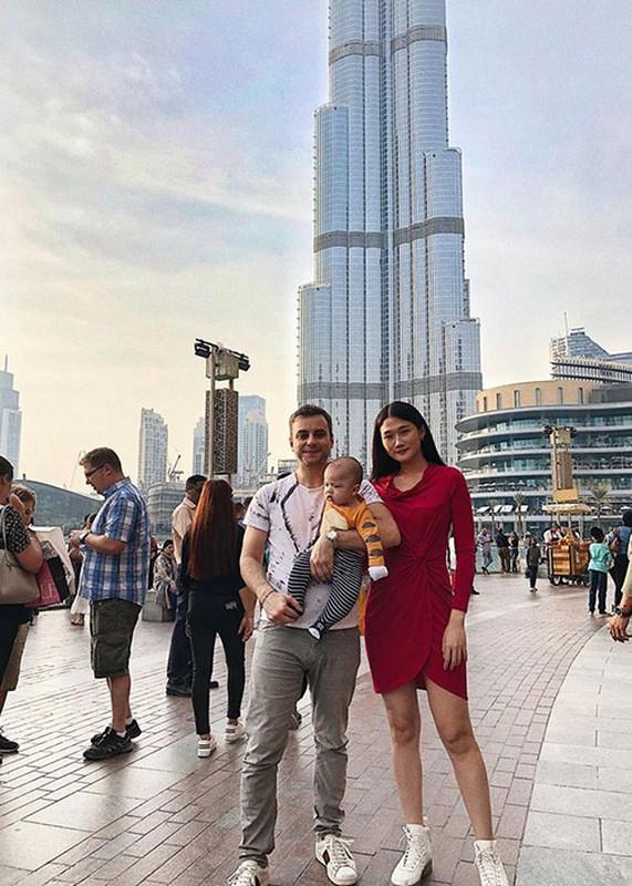 Soi to am cua Kha My Van sang Dubai song cung chong Tay-Hinh-15