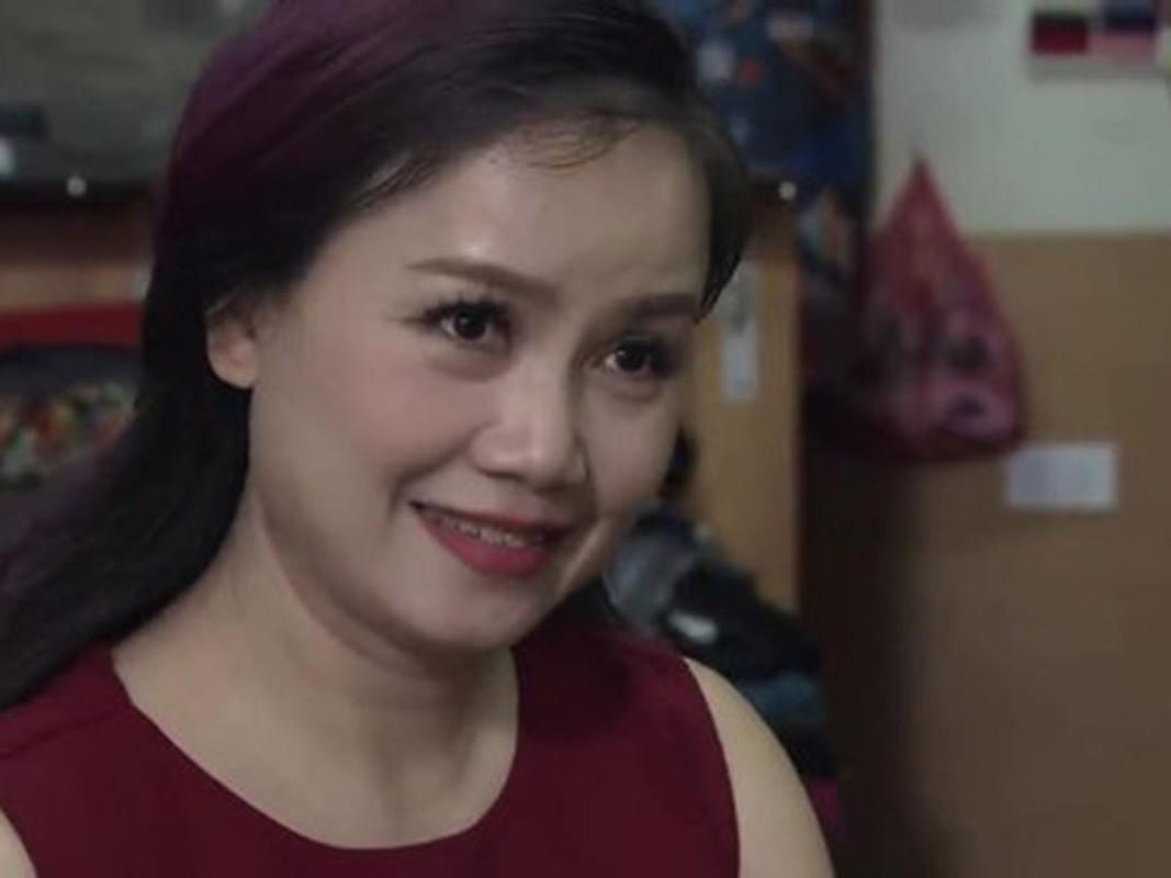 """Soi nhan sac bi nghi """"dai phau"""" cua """"co Xuyen"""" Hoang Yen"""