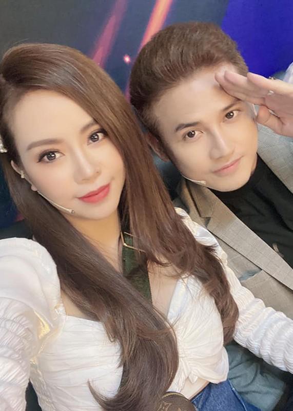 "Nhan sac xinh dep vo Anh Tai dong cau chu dien trai trong ""Luat troi""-Hinh-13"