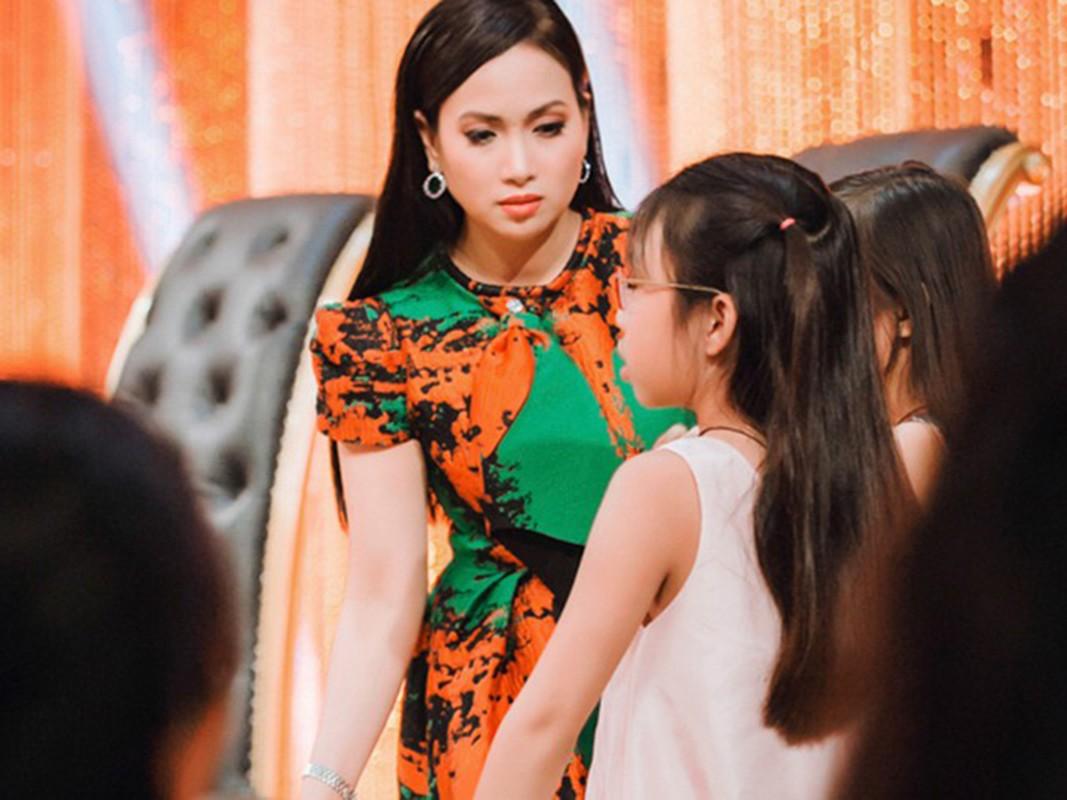 Ba chi em gai Cam Ly: Xinh dep, giau co, hon nhan vien man-Hinh-10