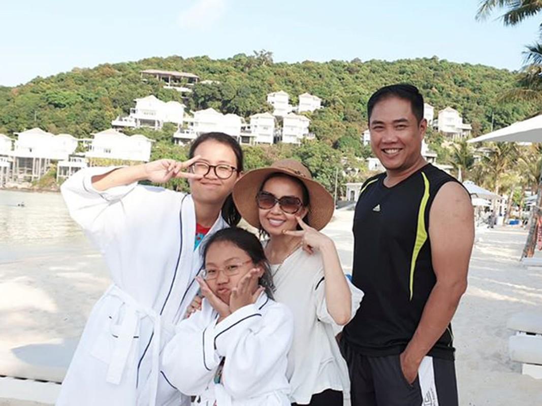 Ba chi em gai Cam Ly: Xinh dep, giau co, hon nhan vien man-Hinh-5