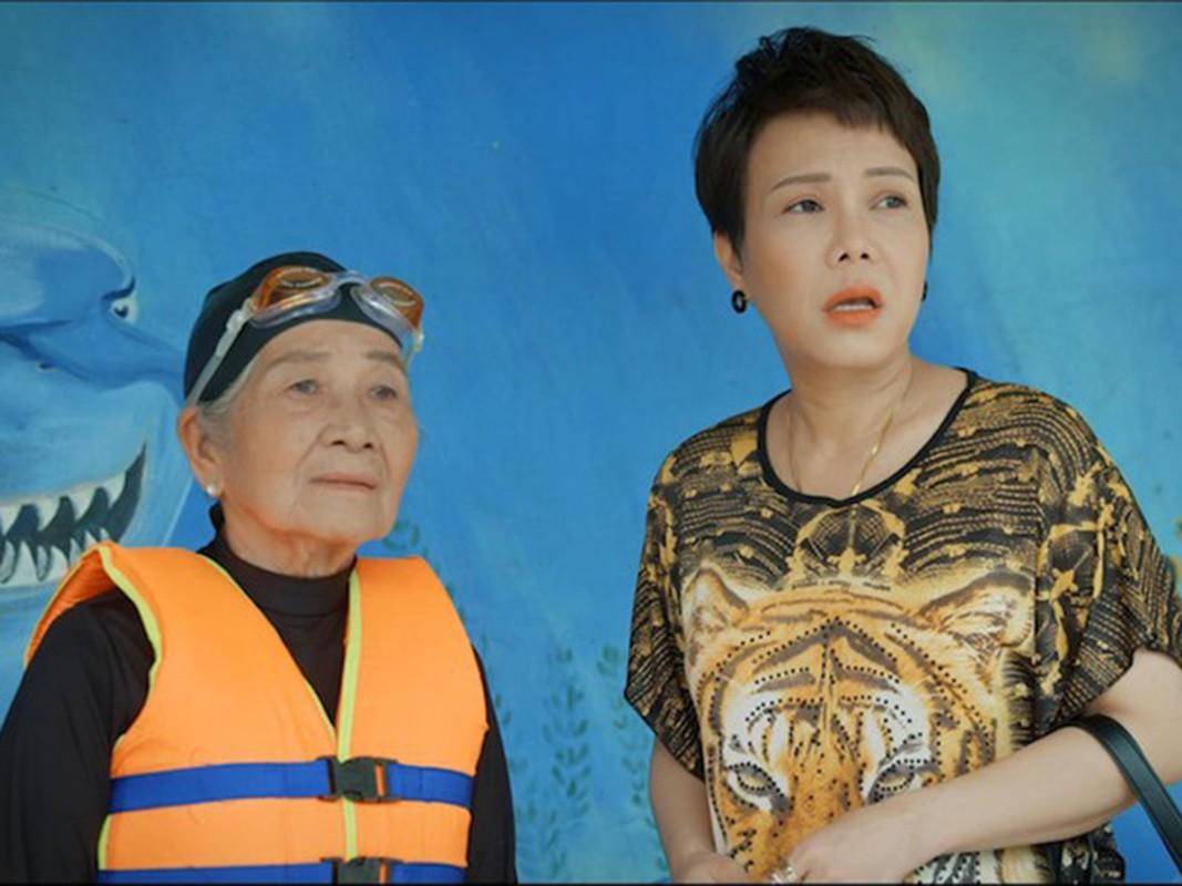 Viet Huong noi tieng the nao ma van bi che khong xung lam giam khao?-Hinh-10