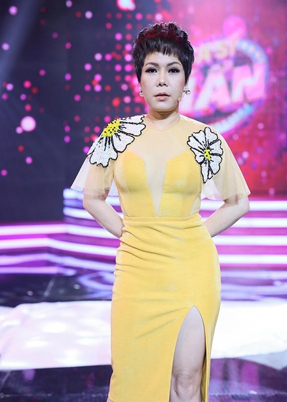 Viet Huong noi tieng the nao ma van bi che khong xung lam giam khao?
