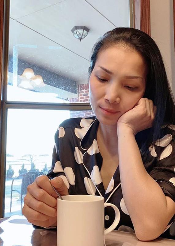 Hong Ngoc xinh dep the nao truoc khi bi bong 2/3 guong mat?-Hinh-14