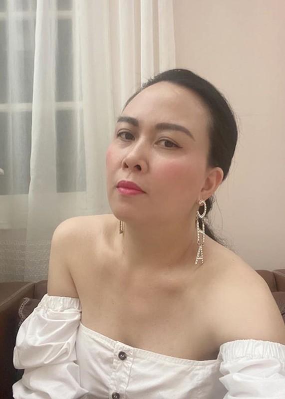 Ban gai Quach Ngoc Ngoan khoe chan thon, vai tran quyen ru-Hinh-6
