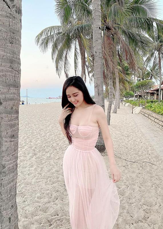 Hau giam can thanh cong, Mai Phuong Thuy dep ngat ngay