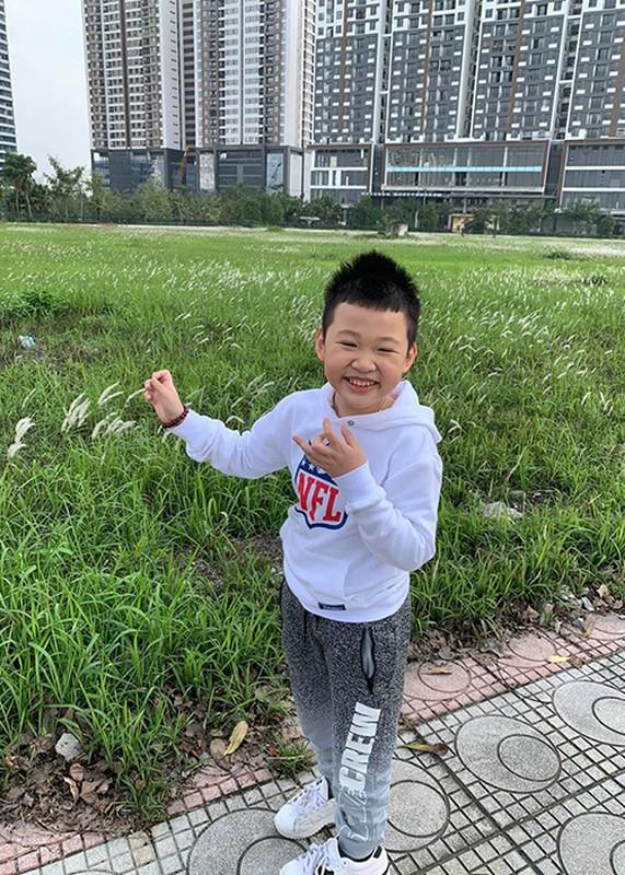 Ve dang yeu cua con trai MC Van Hugo ung ho me tai hon-Hinh-14
