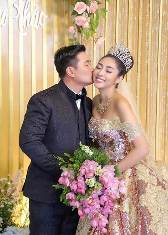 To am hanh phuc cua 2 hoa hau trung ten Dang Thu Thao-Hinh-12