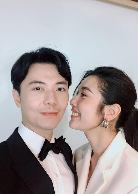 A hau Thuy Van dang ky ket hon voi ban trai doanh nhan-Hinh-8