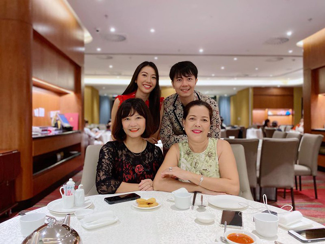 A hau Thuy Van dang ky ket hon voi ban trai doanh nhan-Hinh-9