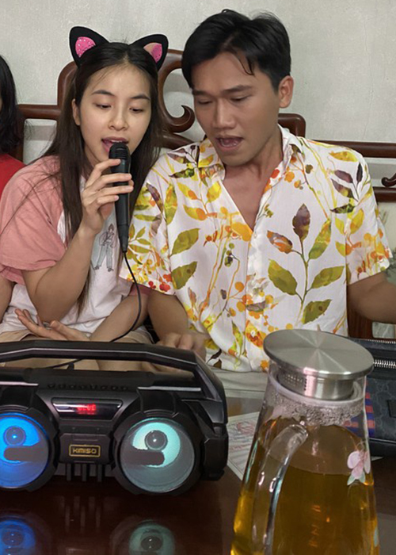 """Loat anh tinh tu cua Xuan Nghi va hot girl """"Nha tro Balanha""""-Hinh-11"""