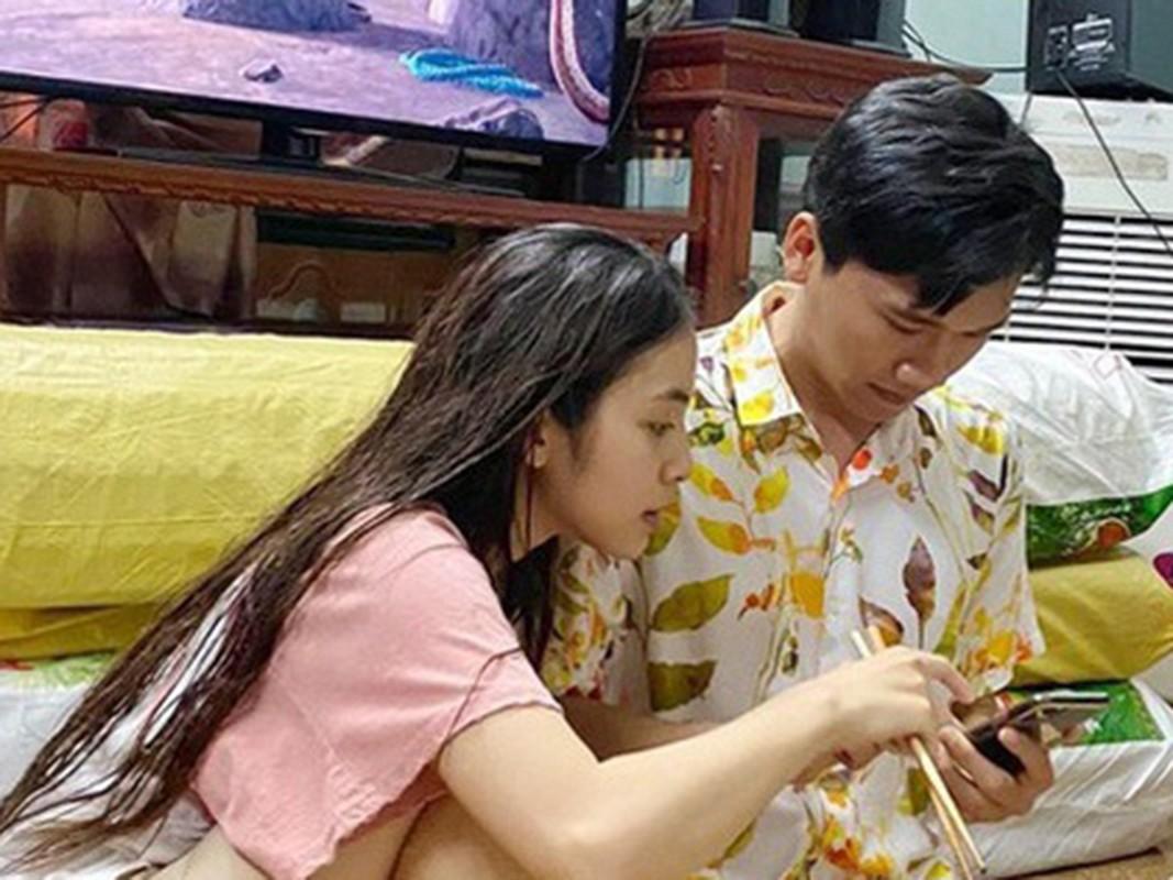 """Loat anh tinh tu cua Xuan Nghi va hot girl """"Nha tro Balanha""""-Hinh-12"""