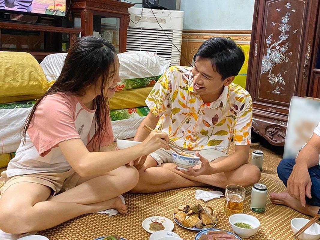 """Loat anh tinh tu cua Xuan Nghi va hot girl """"Nha tro Balanha""""-Hinh-13"""