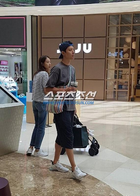 Lee Dong Gun - Jo Yoon Hee: Cuoi nhanh, ly hon chong vanh-Hinh-12
