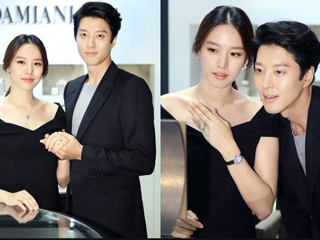 Lee Dong Gun - Jo Yoon Hee: Cuoi nhanh, ly hon chong vanh-Hinh-13