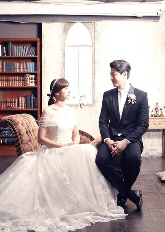 Lee Dong Gun - Jo Yoon Hee: Cuoi nhanh, ly hon chong vanh-Hinh-4